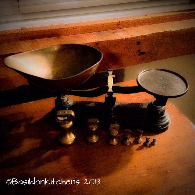 November 25 - back in the day {this is how you had to measure to bake} #photoaday #antique #scales