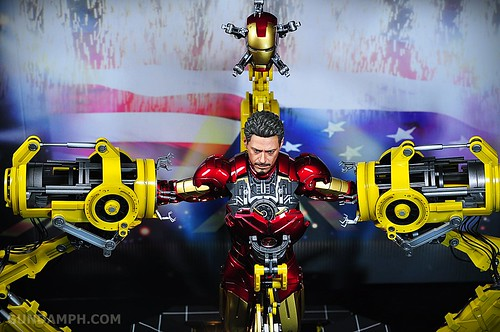 Hot Toys Iron Man 2 - Suit-Up Gantry with Mk IV Review MMS160 Unboxing - day3 (54)