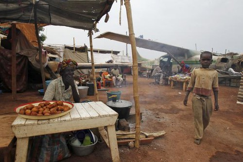 A displaced person's camp in the Central African Republic. The food security crisis will worsen with the fleeing of Muslim traders. by Pan-African News Wire File Photos