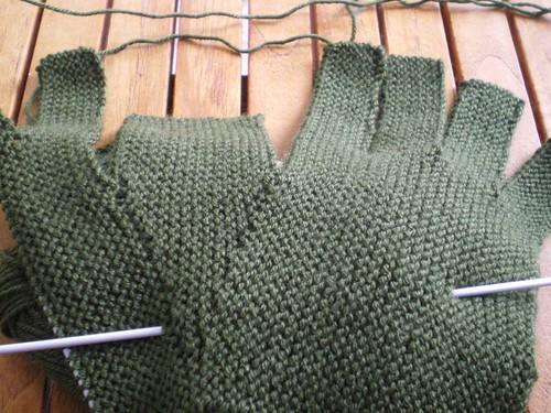Tricot facile - Gants tricotés au point mousse à 2 aiguilles pour adultes (4/6)