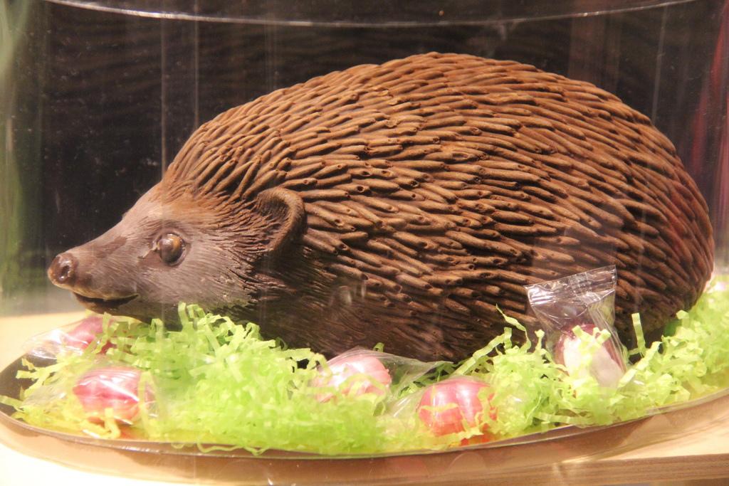 4. Figura decorativa en el salón del Chocolate de París. Autor, Pathien