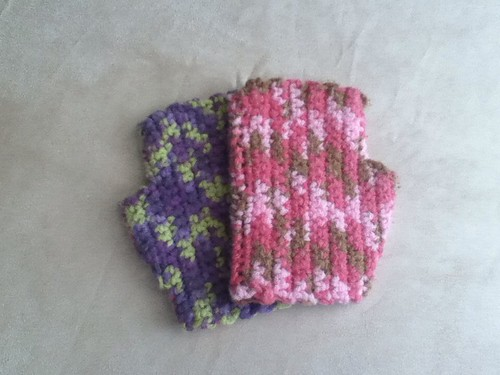 Fingerless gloves by Queenandfox