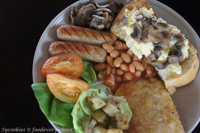 2.that latte place -hearty breakfast RM 17.90 (2)