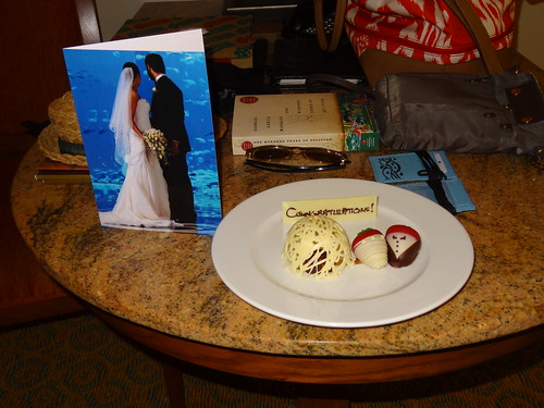 Honeymoon chocolate strawberries and wedding card at the Atlantis Palm Island Dubai.