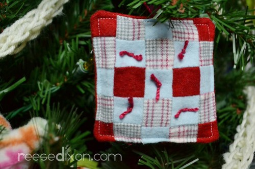 Miniature Quilt Ornament Tutorial