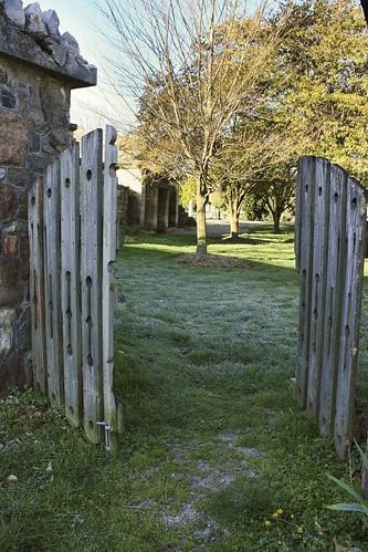 Dublin Cemetery: Gate