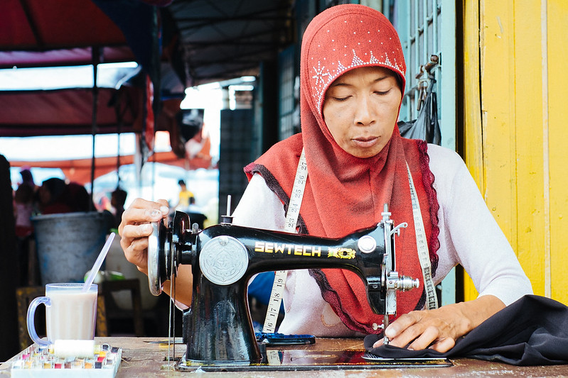 malaysian handicraft essay Getting the most readily useful example of descriptive research design in thesis, esl writing magazine articles, rural vs urban living essays.
