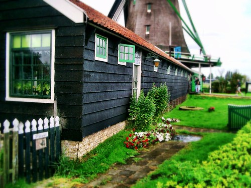 Windmill at Zaanse Schans, the Netherlands by SpatzMe