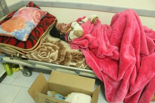 Los hospitales no dan abasto con los heridos de los bombardeos