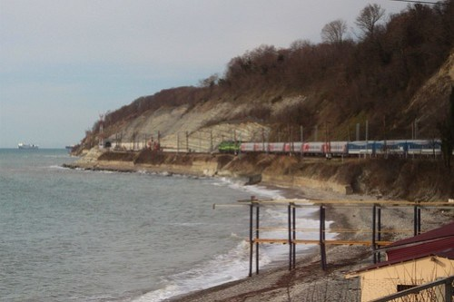Our 20 carriage long train snaking along the Black Sea coast at Вишнёвка (Vishnevka)