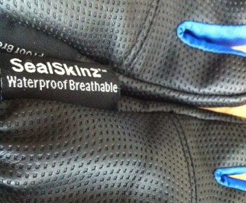 Sealskinz winter kids glove review - waterproof kids gloves