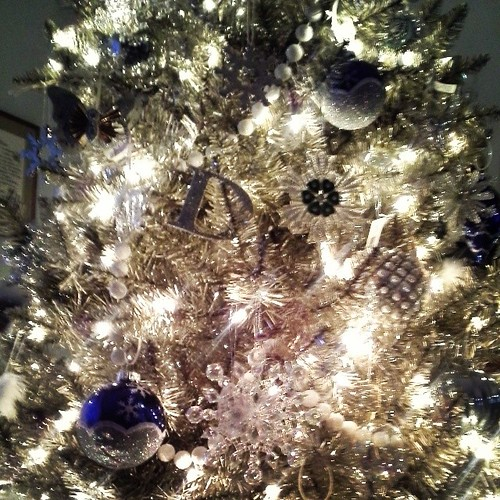 All day deorating....silver, white and blue...snowflakes, clear balls. Lots of new ornaments.