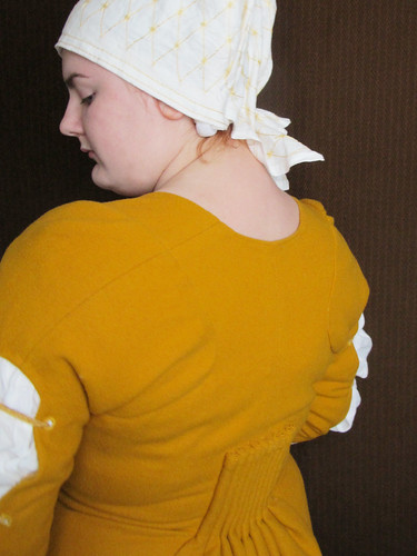 The yellow dress - or the housebook dress - 58