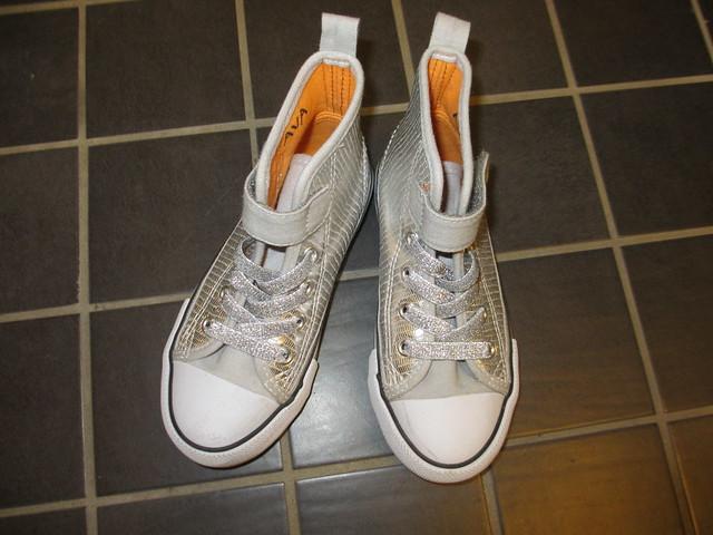 Avas nya skor