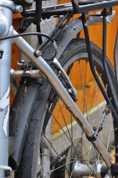 Fitting bike mudguards to keep things clean