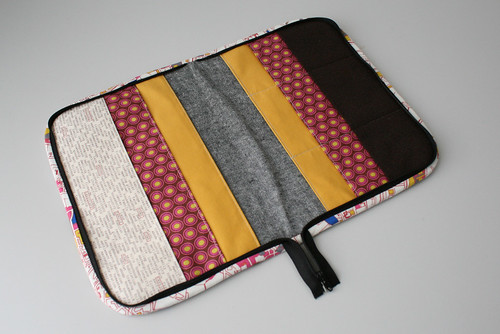 Zippered notion organizer