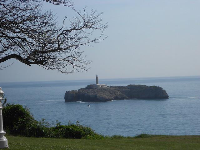 Isla de Mouro, vista desde el Palacio de la Magadalena