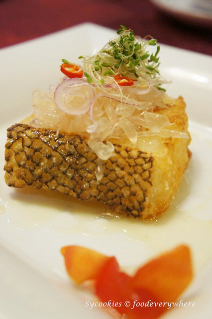 5.park royal-Deep-fried Cod Fish with Pomelo Sauce (3)