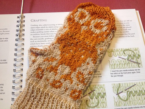 Mitten 1- Kate's Late Christmas