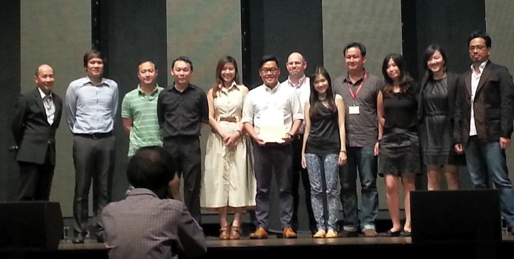 SingTel CEO awards by phatfreemiguel