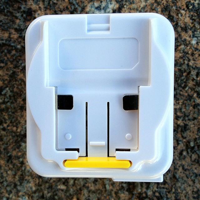 World Traveler Universal Plug Adapter - White - 3