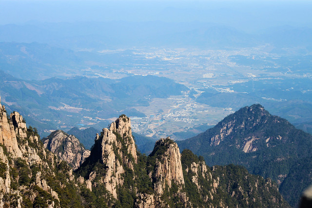 Valley over Huangshan