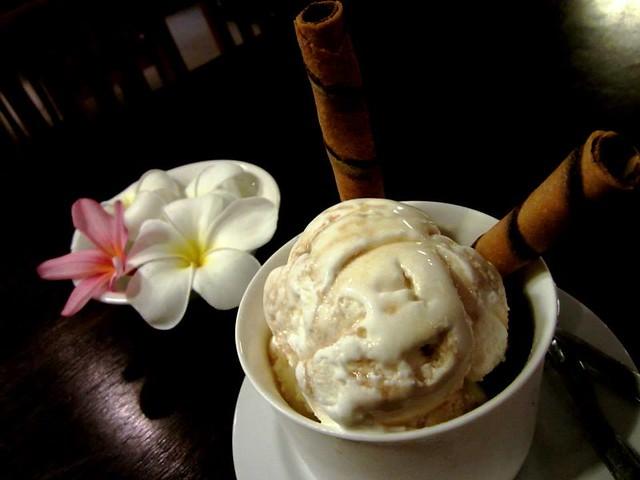 Payung - kahlua ice cream