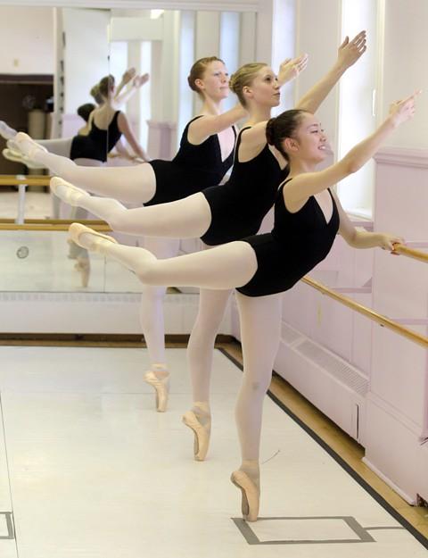 Alberta Ballet CAL0715-CDNb1