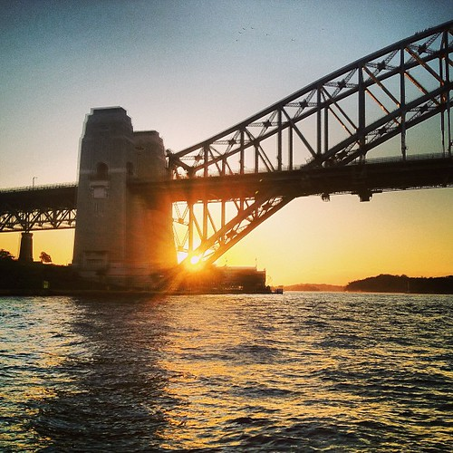 Last Rays #sydney #australia #harbourbridge by @MySoDotCom