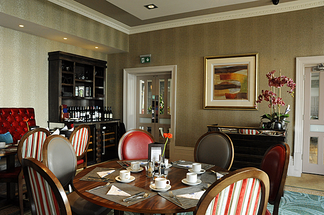 review dover marina hotel