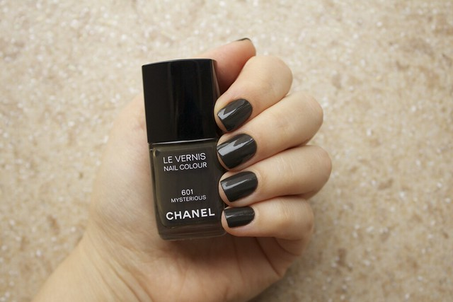 26 Chanel Mysterious swatches