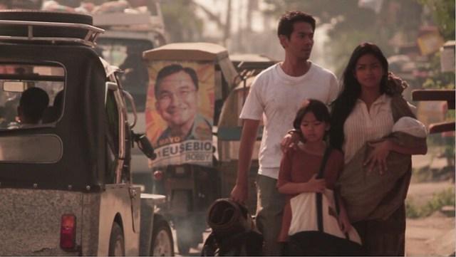 Metro Manila family scene