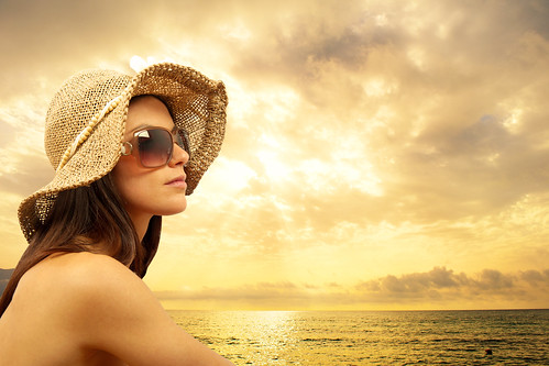 Joel Schlessinger MD comments on how sun exposure can cause signs of aging