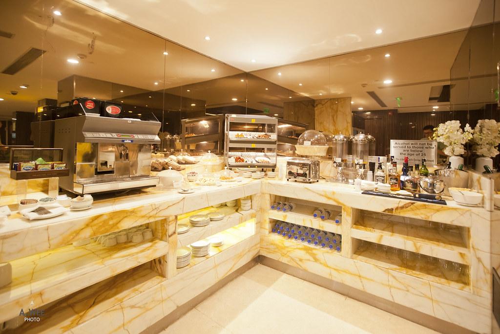 Corner Buffet Counter