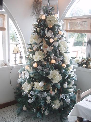 201312010064_Fez-xmas-decorations