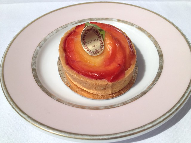 Peach verbena tarte - Laduree