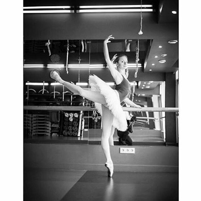 #Repost @linka_ballerinka ・・・ #ballet #ballerinablog #balletpost #ballerina #instaballet #balletgirl #balletgram #attitude #tutu #balletphotography #balletpicture #excercise #photoart #photoby #bestballetphotographer @kirill_stoyanov #балет #балерина #нет