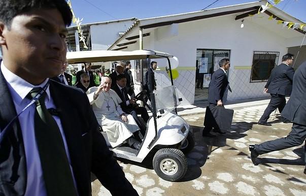 Duras críticas del Papa a sistema penitenciario en Bolivia