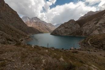 Onze laatste dag in Panjakent gebruikten we voor een ritje hoog de bergen in.
