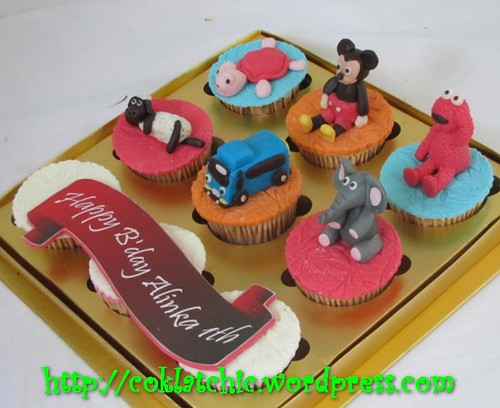 Cupcake Tayo the blue bus, cupcake elmo, cupcake mickey, cupcake shaun, cupcake kura-kura dan cupcake gajah