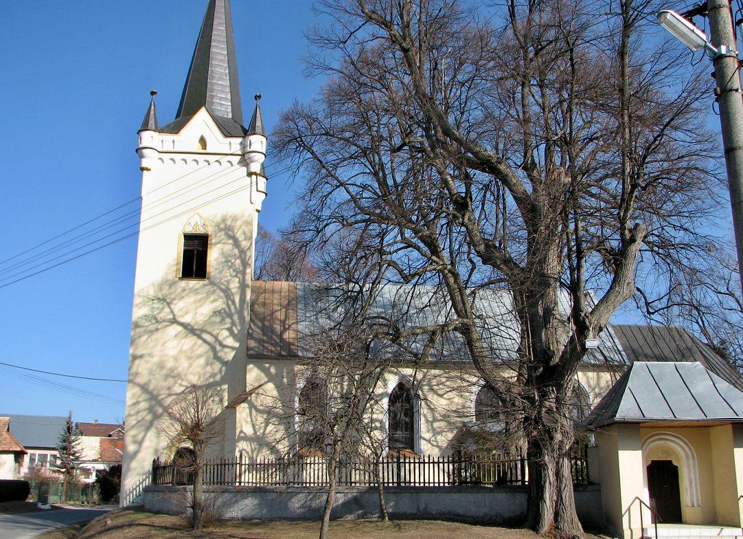 Dačolomiansky kostol - celkový pohľad