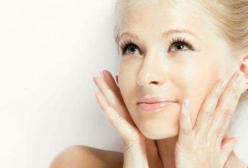 Joel Schlessinger MD discusses CC creams, a new beauty trend, with Fox News Magazine