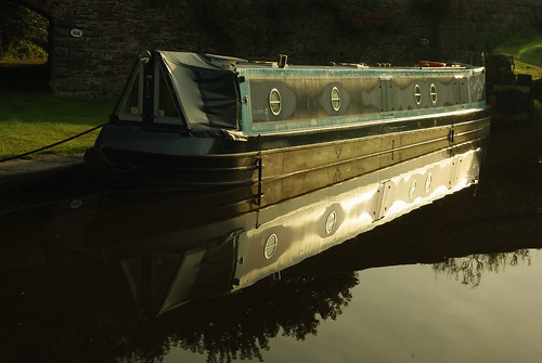20130807-21_Narrow Boat - Bugsworth Basin near Buxworth by gary.hadden