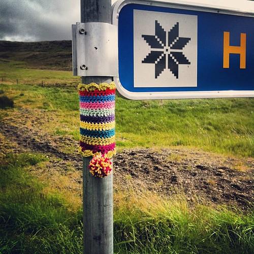 #yarnstorm #yarnbombing #yarngraffiti #yarnstorming #iceland #borgarfjörður #hespa #barbaknit