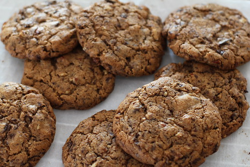 whole wheat chocolate chunk cookies