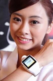 【安全天使 Angel Care】專為銀髮族設計的智慧型手錶讓父母安全2