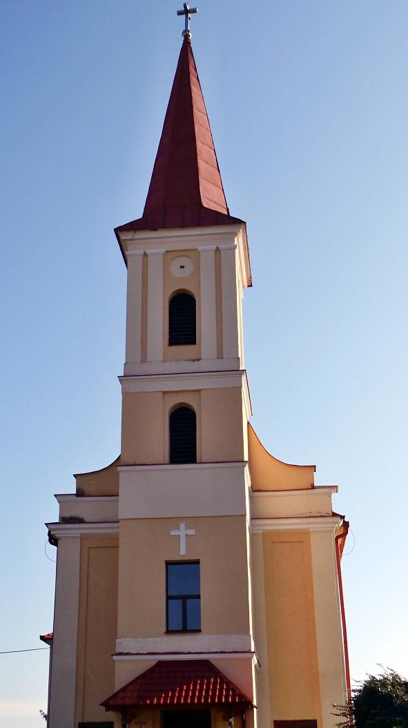 Kostol v Želovciach - čelný pohľad