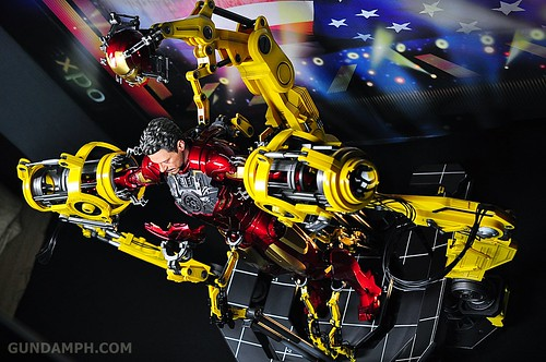 Hot Toys Iron Man 2 - Suit-Up Gantry with Mk IV Review MMS160 Unboxing - day3 (66)