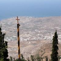 Touring southern Santorini