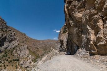 Vanaf Kalaikhum waar we overnachtten reden we de laatste etappe met de laatste bergpas.